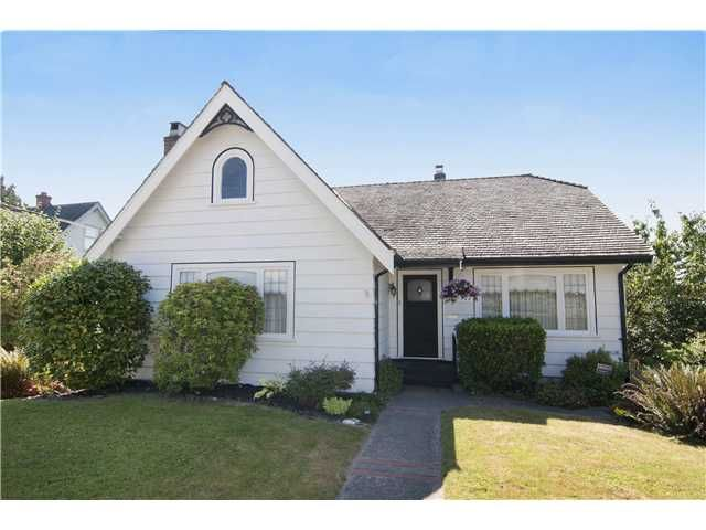 Main Photo: 1522 8th Avenue in New Westminster: West End NW House for sale : MLS®# V1020996