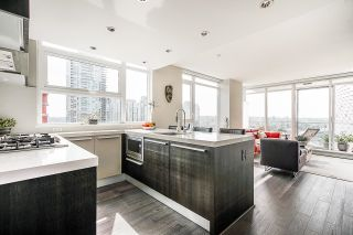"""Photo 5: 1907 1351 CONTINENTAL Street in Vancouver: Downtown VW Condo for sale in """"MADDOX"""" (Vancouver West)  : MLS®# R2618101"""