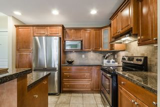 """Photo 4: 401 15357 17A Avenue in Surrey: King George Corridor Condo for sale in """"Madison"""" (South Surrey White Rock)  : MLS®# R2213852"""