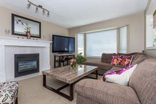 Photo 5: 18185 64 ave in Surrey: Cloverdale BC House for sale (Cloverdale)  : MLS®# R2064928