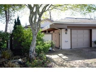 Photo 1: 42 901 Kentwood Lane in VICTORIA: SE Broadmead Row/Townhouse for sale (Saanich East)  : MLS®# 727195
