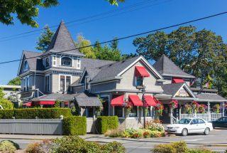 Photo 32: 302 1714 Fort St in : Vi Jubilee Condo for sale (Victoria)  : MLS®# 859812