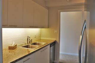 """Photo 5: 808 1500 HORNBY Street in Vancouver: Yaletown Condo for sale in """"888 BEACH"""" (Vancouver West)  : MLS®# R2065574"""