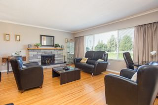 Photo 2: 409 MUNDY Street in Coquitlam: Central Coquitlam House for sale : MLS®# R2483740
