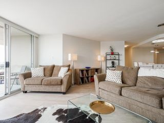 """Photo 12: 1006 1235 QUAYSIDE Drive in New Westminster: Quay Condo for sale in """"RIVIERA TOWER"""" : MLS®# R2612437"""