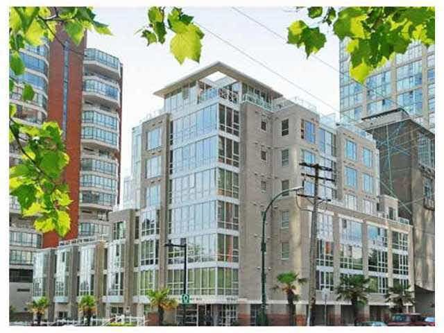 """Main Photo: 205 910 BEACH Avenue in Vancouver: Yaletown Condo for sale in """"910 BEACH AVE"""" (Vancouver West)  : MLS®# R2080972"""