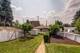 Photo 3: 17 Fay Road SE in Calgary: Fairview Detached for sale : MLS®# A1130756