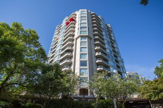 "Main Photo: 404 1045 QUAYSIDE Drive in New Westminster: Quay Condo for sale in ""Quayside Tower I"" : MLS®# R2529846"