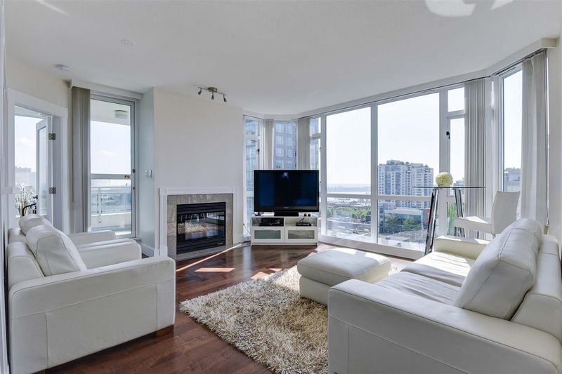 FEATURED LISTING: 904 - 140 14TH Street East North Vancouver