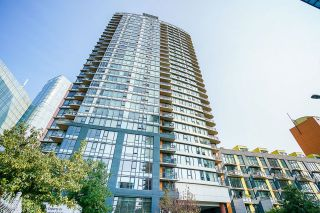 Photo 2: 1207 33 SMITHE Street in Vancouver: Yaletown Condo for sale (Vancouver West)  : MLS®# R2625751