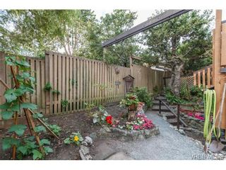 Photo 17: 911 Oliphant Ave in VICTORIA: Vi Fairfield West Row/Townhouse for sale (Victoria)  : MLS®# 711126