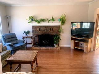 Photo 4: 2147 Weiler Ave in Sidney: Si Sidney South-West Half Duplex for sale : MLS®# 842931