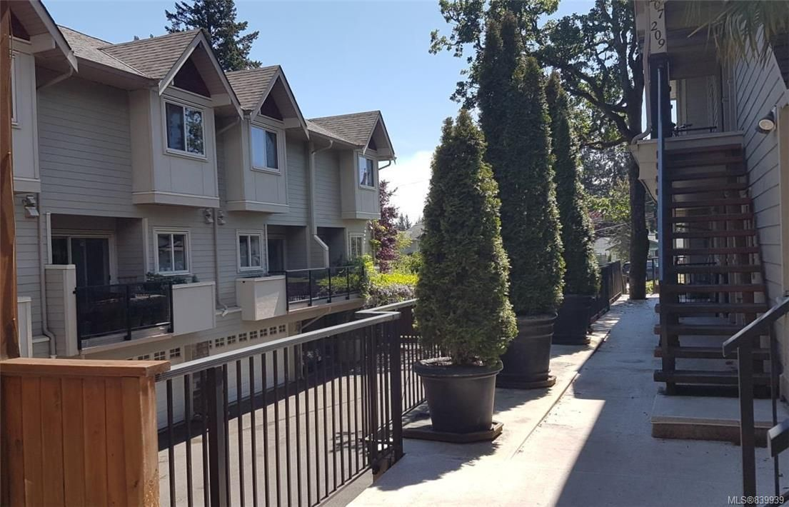 Photo 18: Photos: 205 785 Station Ave in Langford: La Langford Proper Row/Townhouse for sale : MLS®# 839939