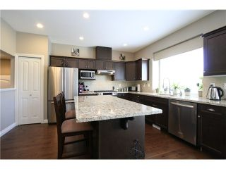 """Photo 9: 7035 180TH Street in Surrey: Cloverdale BC Townhouse for sale in """"Terraces at Provinceton"""" (Cloverdale)  : MLS®# F1321637"""