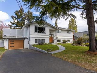 Photo 2: 3997 San Mateo Pl in VICTORIA: SE Gordon Head House for sale (Saanich East)  : MLS®# 838777