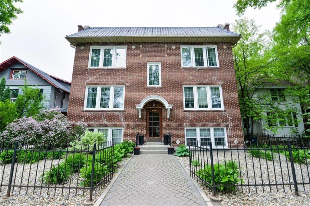 Main Photo: 4 888 Grosvenor Avenue in Winnipeg: Condominium for sale (1B)  : MLS®# 1925552
