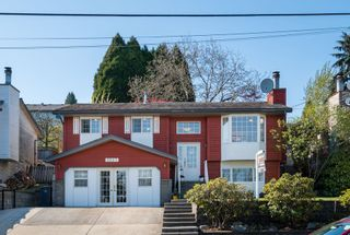 Photo 1: 2247 CAPE HORN Avenue in Coquitlam: Cape Horn House for sale : MLS®# R2569259