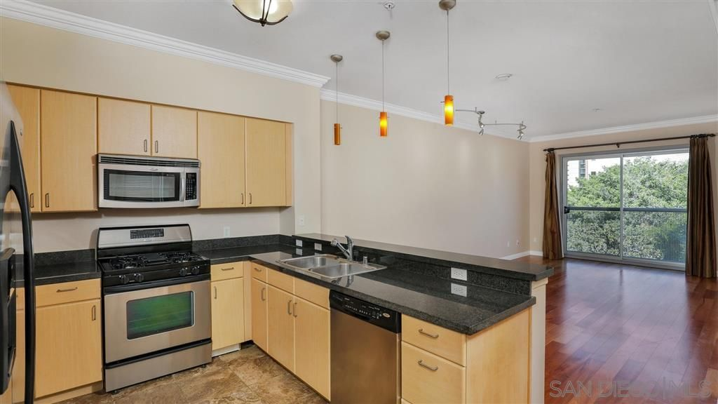 Main Photo: DOWNTOWN Condo for rent : 1 bedrooms : 445 Island Ave #407 in San Diego