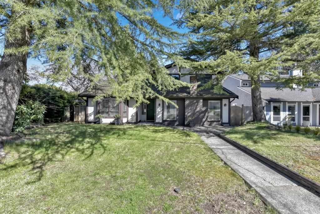 "Main Photo: 15819 101A Avenue in Surrey: Guildford House for sale in ""Somerset"" (North Surrey)  : MLS®# R2574249"