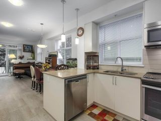 """Photo 3: 120 7250 18TH Avenue in Burnaby: Edmonds BE Townhouse for sale in """"IVORY MEWS"""" (Burnaby East)  : MLS®# R2360183"""