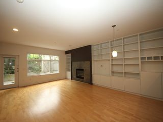 """Photo 4: 5358 LARCH Street in Vancouver: Kerrisdale Townhouse for sale in """"Larchwood"""" (Vancouver West)  : MLS®# R2382346"""