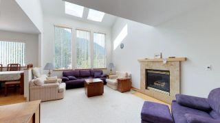 "Photo 4: 41955 BIRKEN Road in Squamish: Brackendale House for sale in ""Brackendale"" : MLS®# R2259275"