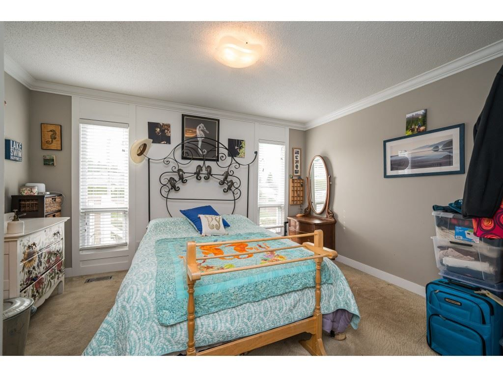 Photo 13: Photos: 20305 50 AVENUE in Langley: Langley City House for sale : MLS®# R2561802