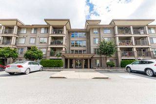 """Photo 1: 206 45561 YALE Road in Chilliwack: Chilliwack W Young-Well Condo for sale in """"THE VIBE"""" : MLS®# R2562451"""