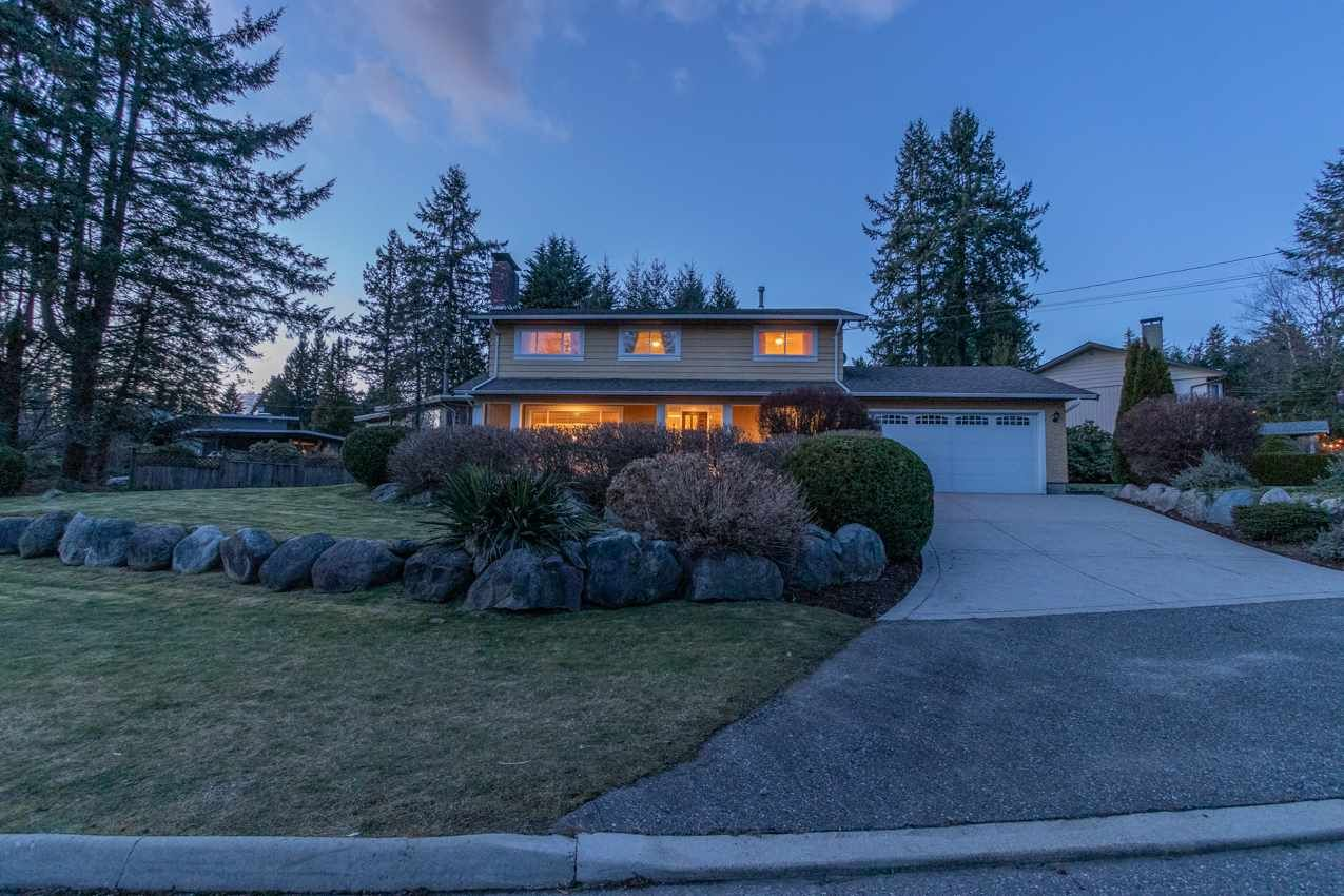 Photo 3: Photos: 2576 BELLOC Street in North Vancouver: Blueridge NV House for sale : MLS®# R2544929
