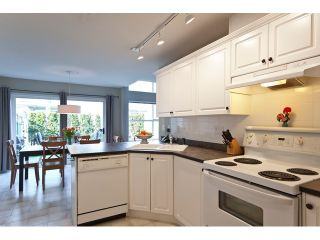 "Photo 4: 53 8111 160TH Street in Surrey: Fleetwood Tynehead Townhouse for sale in ""Coyote Ridge"" : MLS®# F1110791"