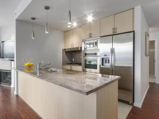 """Photo 11: 1705 1211 MELVILLE Street in Vancouver: Coal Harbour Condo for sale in """"THE RITZ"""" (Vancouver West)  : MLS®# R2173539"""
