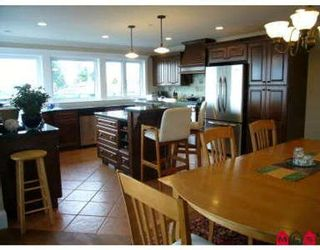 Photo 3: 15542 SEMIAHMOO AV in White Rock: House for sale : MLS®# F2706281