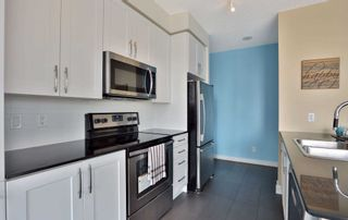 Photo 5: 208 4070 Confederation Parkway in Mississauga: City Centre Condo for sale : MLS®# W4933773