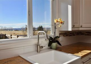 Photo 12: 7067 EDGEMONT Drive NW in Calgary: Edgemont House for sale : MLS®# C4143123