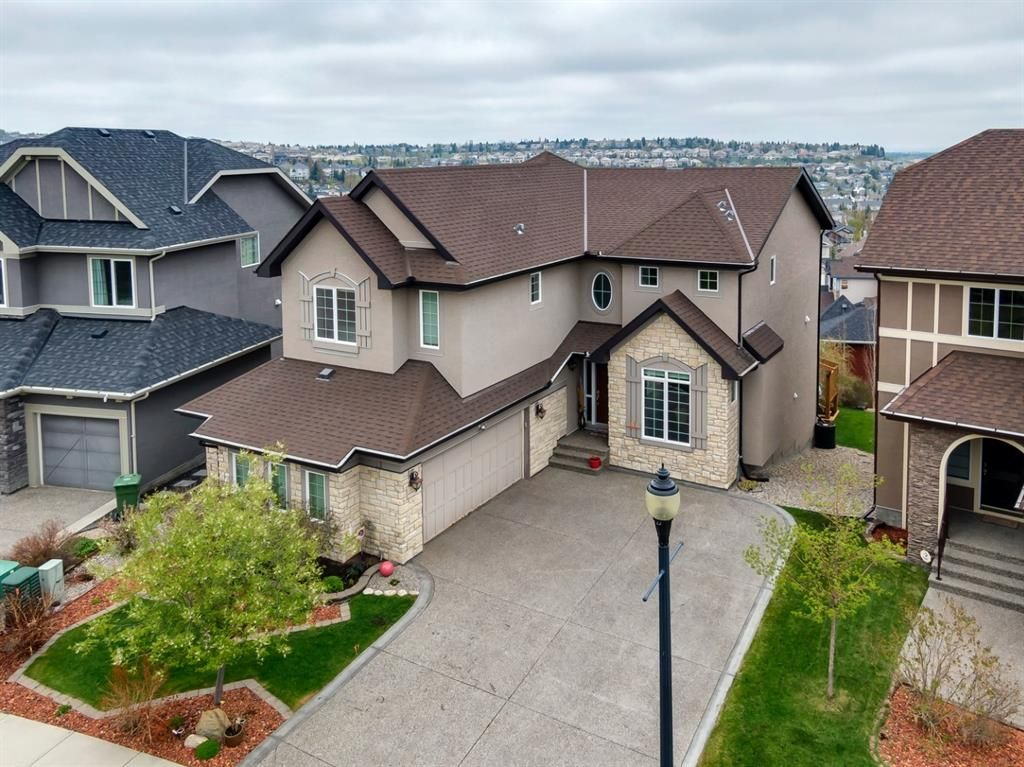 Main Photo: 11 Springbluff Point SW in Calgary: Springbank Hill Detached for sale : MLS®# A1112968