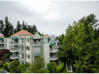 """Photo 11: 403 1765 MARTIN Drive in Surrey: Sunnyside Park Surrey Condo for sale in """"SOUTHWYND"""" (South Surrey White Rock)  : MLS®# F1415442"""