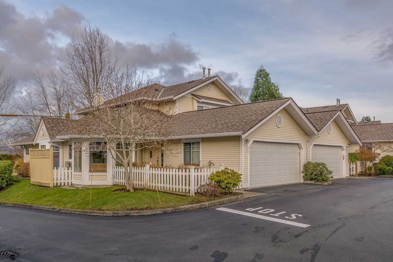 """Main Photo: 11 21138 88 Avenue in Langley: Walnut Grove Townhouse for sale in """"SPENCER GREEN"""" : MLS®# R2237457"""