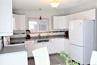 Photo 3: 117 4714 Muir Rd in : CV Courtenay East Manufactured Home for sale (Comox Valley)  : MLS®# 870233