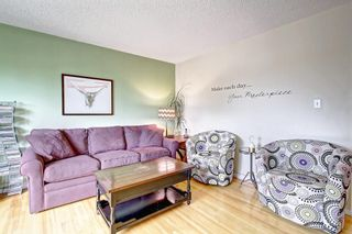 Photo 5: 1112 NINGA Road NW in Calgary: North Haven Semi Detached for sale : MLS®# C4222139