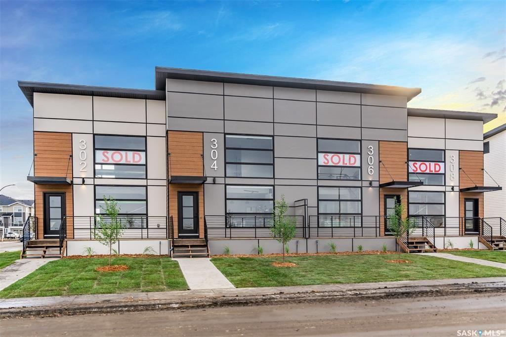 Main Photo: 611 Brighton Gate in Saskatoon: Brighton Residential for sale : MLS®# SK870328