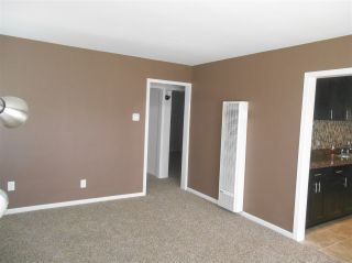 Photo 5: COLLEGE GROVE House for sale : 3 bedrooms : 6358 Streamview Drive in San Diego