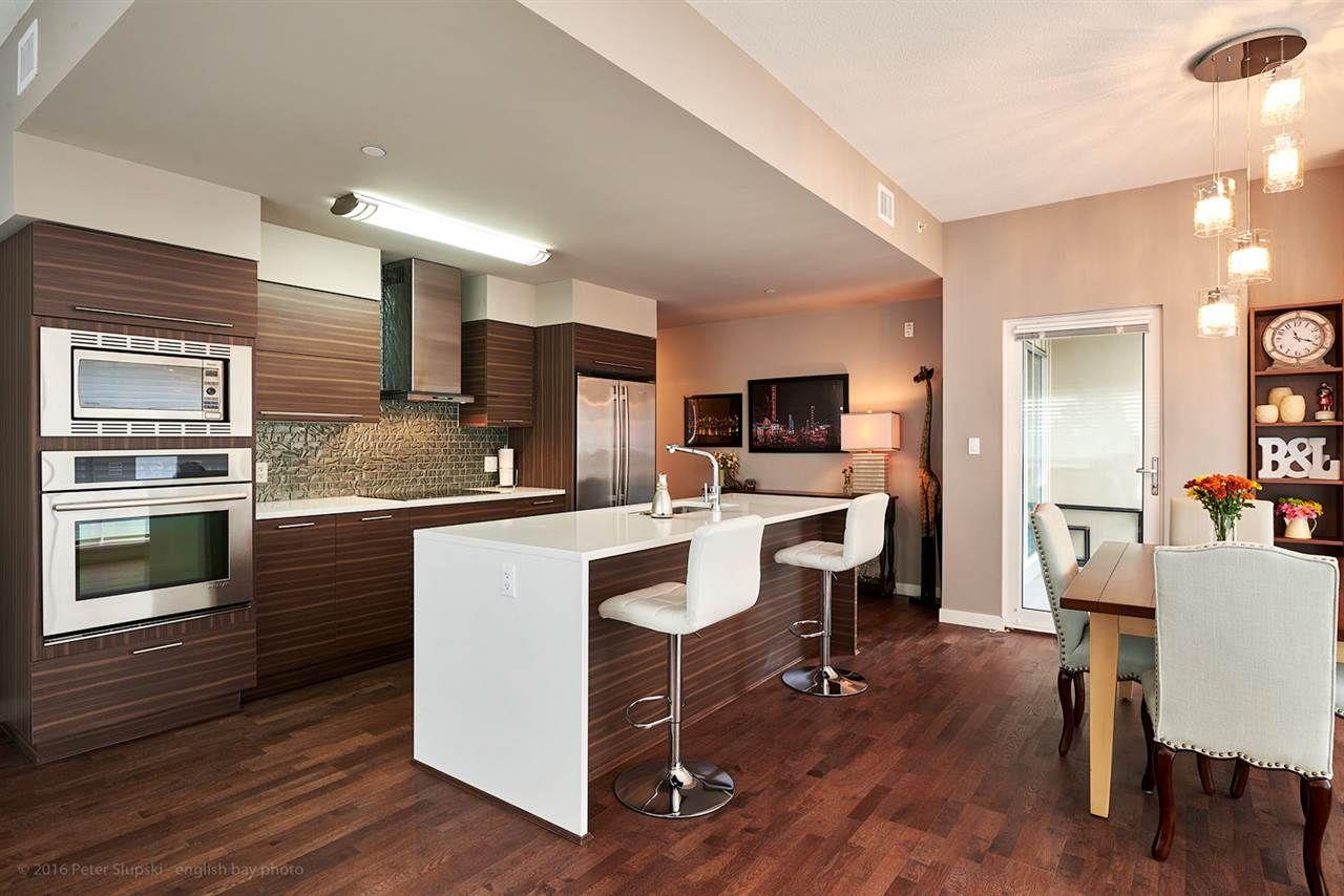 Photo 3: Photos: 401 317 BEWICKE Avenue in North Vancouver: Hamilton Condo for sale : MLS®# R2118583