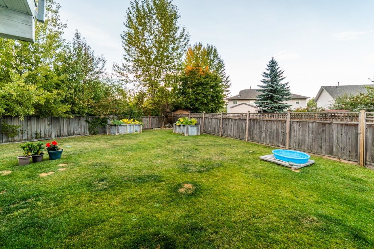 """Photo 27: Photos: 6872 ST ERICA Place in Prince George: St. Lawrence Heights House for sale in """"St Lawrence Heights"""" (PG City South (Zone 74))  : MLS®# R2617667"""