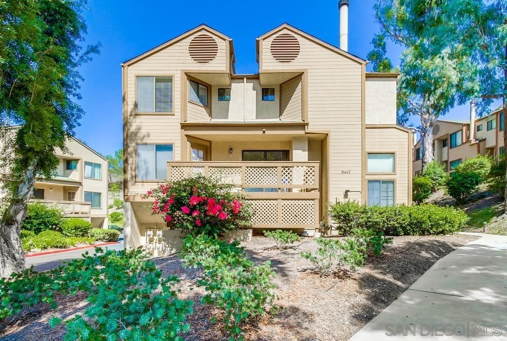 Main Photo: Townhouse for sale : 3 bedrooms : 9447 Lake Murray Blvd #D in San Diego