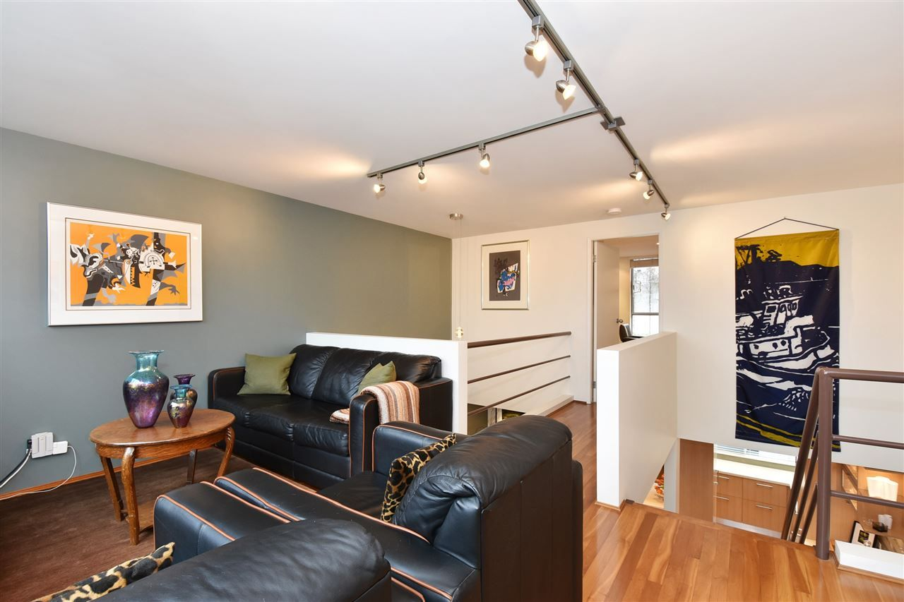 """Photo 13: Photos: 2311 OAK Street in Vancouver: Fairview VW Townhouse for sale in """"OAKVIEW TERRACE"""" (Vancouver West)  : MLS®# R2151089"""