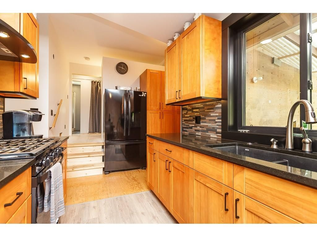 Main Photo: 26027 112 Avenue in Maple Ridge: Thornhill MR House for sale : MLS®# R2476121