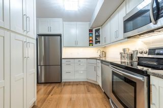 """Photo 11: 101 15080 PROSPECT Avenue: White Rock Condo for sale in """"The Tiffany"""" (South Surrey White Rock)  : MLS®# R2610135"""