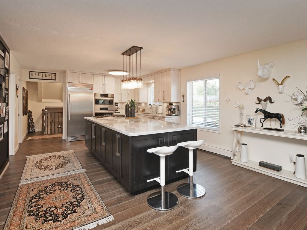 Photo 2: Photos: 7471 NORTHCOTE Street in Mission: Mission BC House for sale : MLS®# R2447244