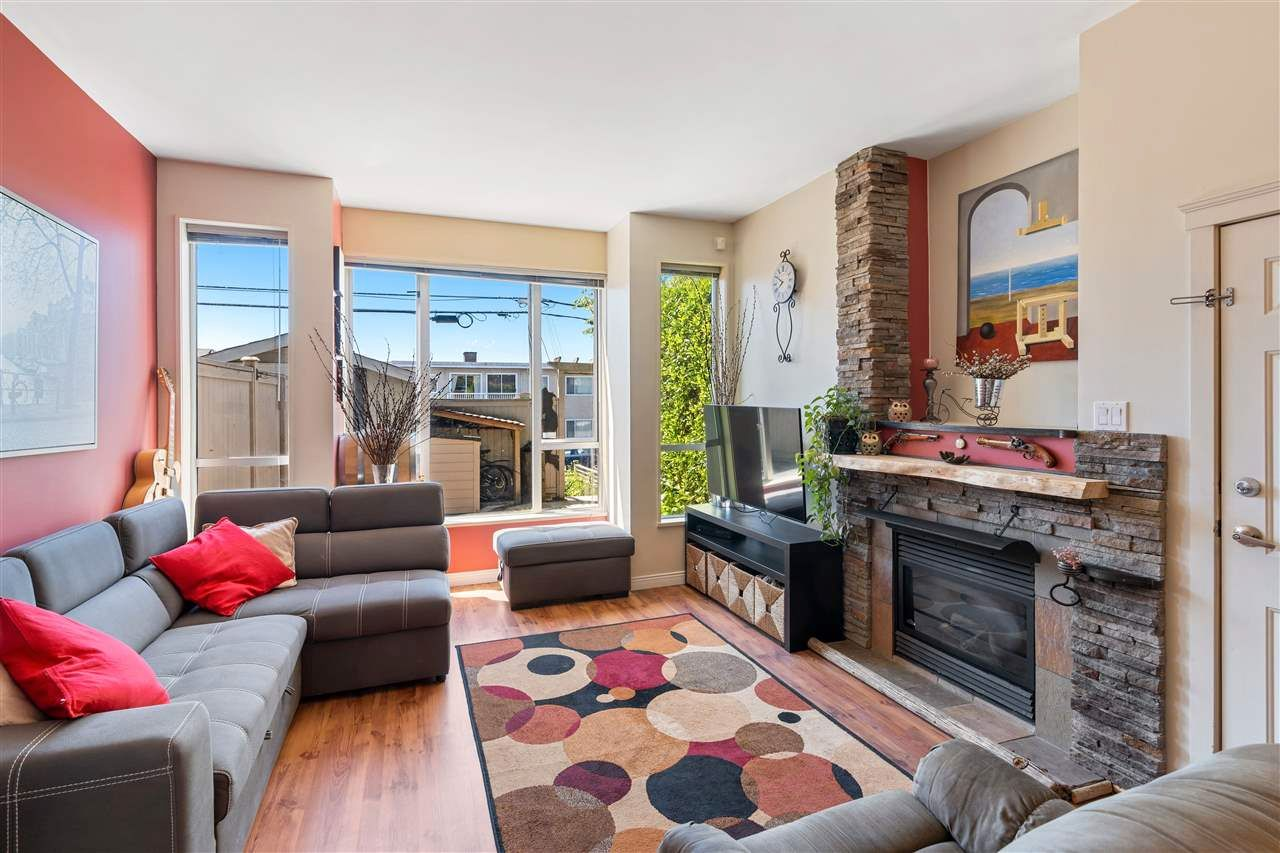 Photo 10: Photos: C 229 W 5TH Street in North Vancouver: Lower Lonsdale 1/2 Duplex for sale : MLS®# R2589308