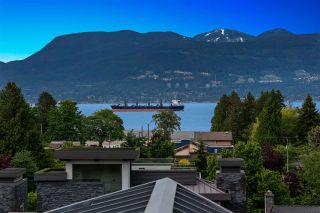 Photo 1: 1720 SASAMAT Street in Vancouver: Point Grey House for sale (Vancouver West)  : MLS®# R2587392
